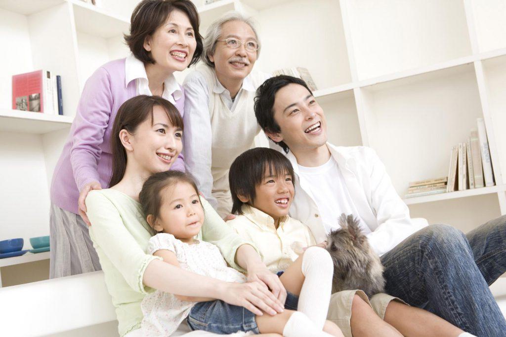 三世代の家族写真